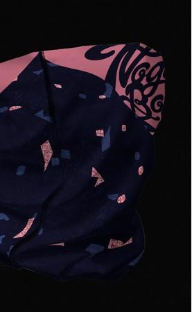 różowe konfetti komin