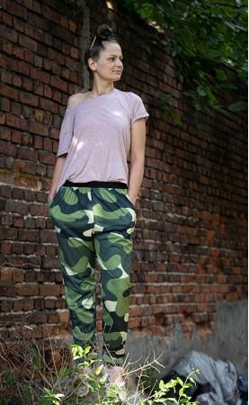kamuflaż ciemno-zielony spodnie